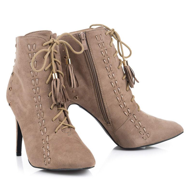 5b4e6f02e1b3 Šnurovacie béžové členkové dámske topánky na podpätku