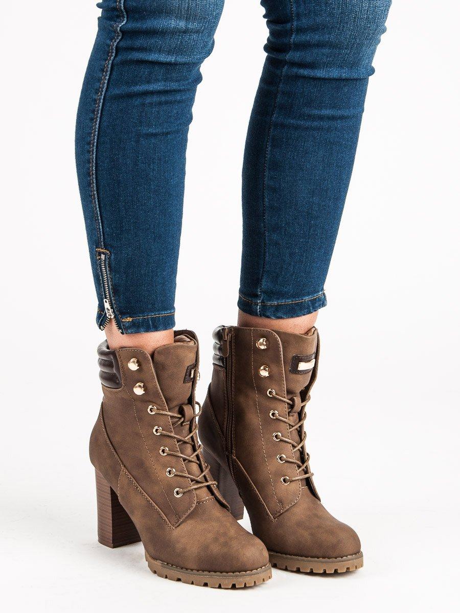 ac7f6e6ae674 Šnurovacie khaki členkové topánky na podpätku
