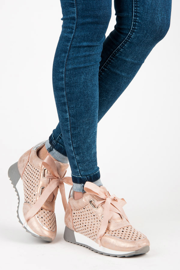 f05fef82a41e Trendy ružové tenisky viazané stužkou