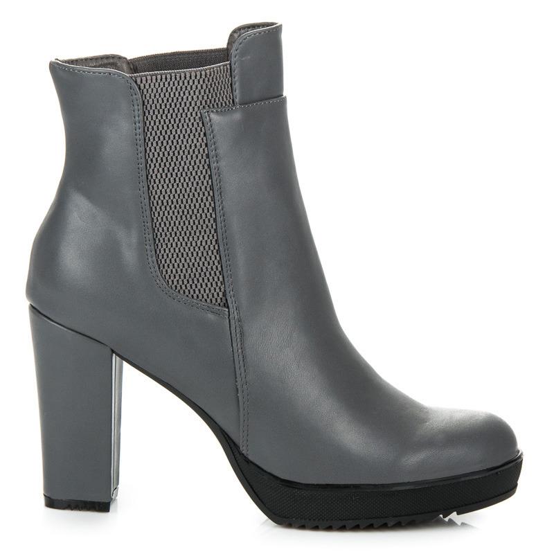 c913225b5 Vysoké šedé členkové topánky na platforme a podpätku | AMIATEX.sk