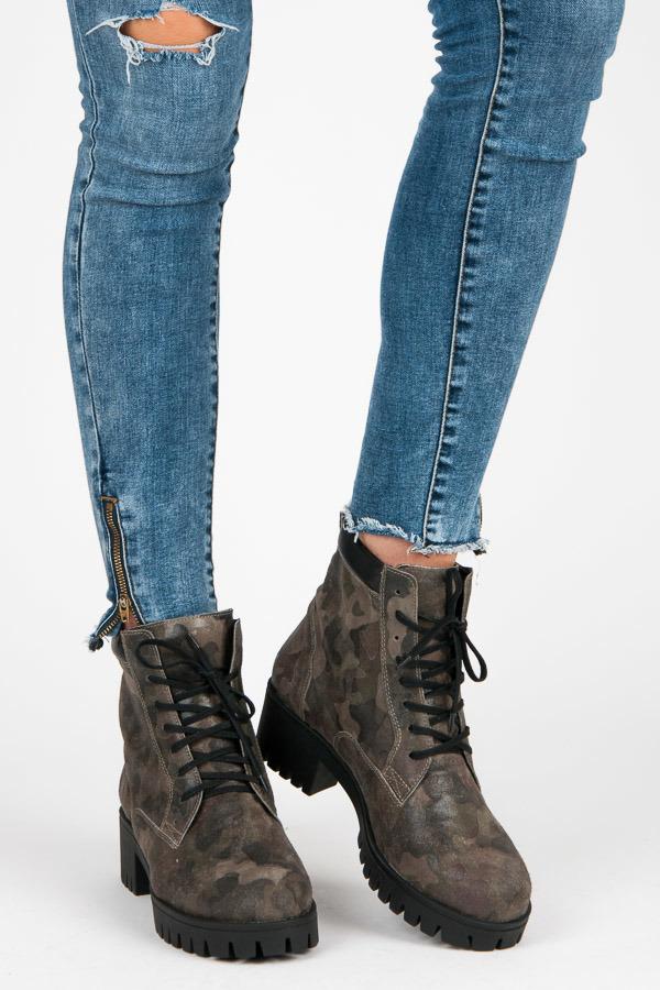 Zelené členkové topánky - vojenský dizajn  75d16fe4a6f